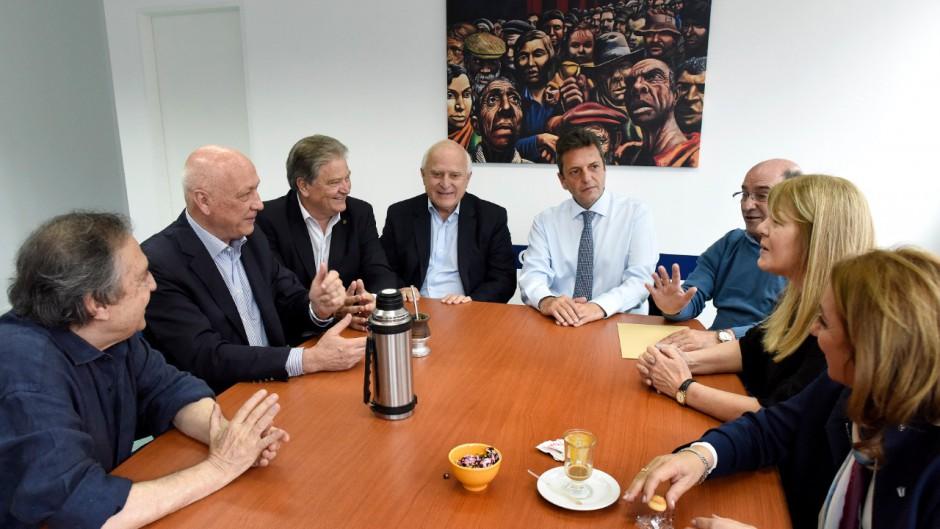 Massa, Stolbizer y los socialistas arman frente opositor no K