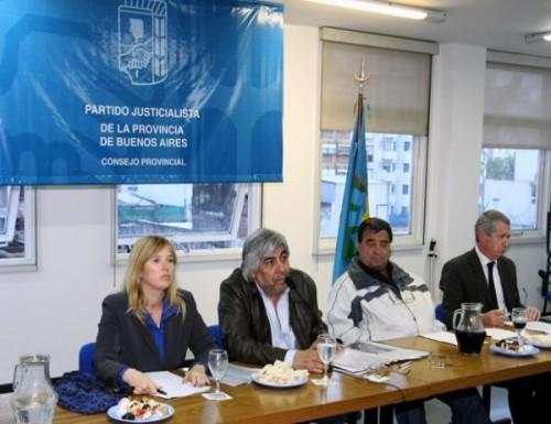 El Consejo del PJ Bonaerense Respaldo candidatura de Cristina y Scioli