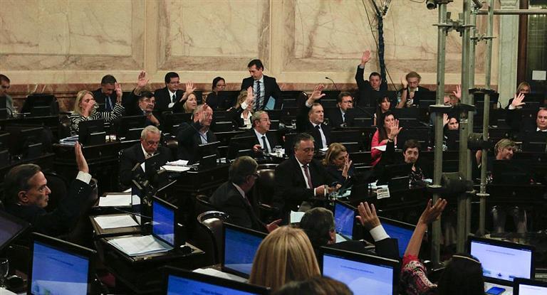En el Senado ya están a siete votos de los necesarios para convertir el aborto en ley