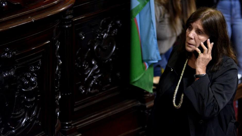 Teresa García alertó sobre los brotes en el interior de la provincia.