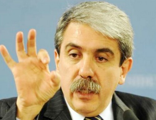 Aníbal F. no da margen a las dudas de CFK