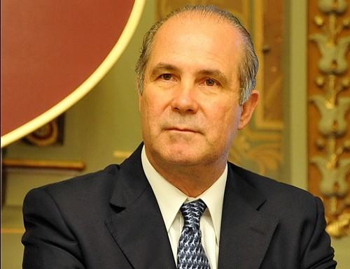"""Cacho"""" Álvarez estaría a punto de renunciarle a Scioli"""