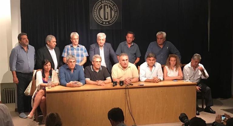 La CGT amenza con un paro general si Macri veta la ley de tarifas