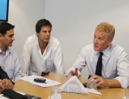De Narváez se reunió con legisladores para debatir la estrategia 2011