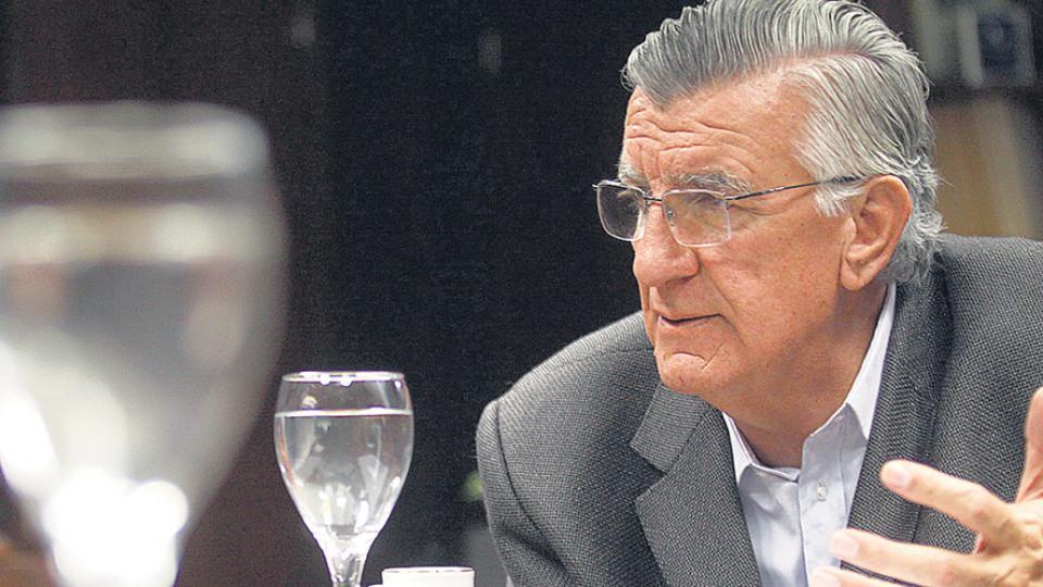 Gioja, reiteró su pedido de interpelación al ministro de Finanzas