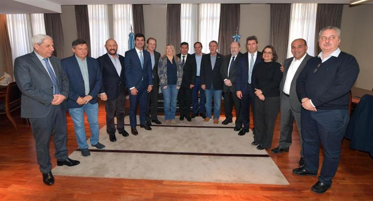 Proyecto para transferir Aysa, Edesur y Edenor a Larreta y Vidal
