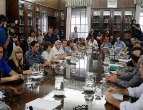 Los gremios docentes rechazaron el ofrecimiento de Vidal