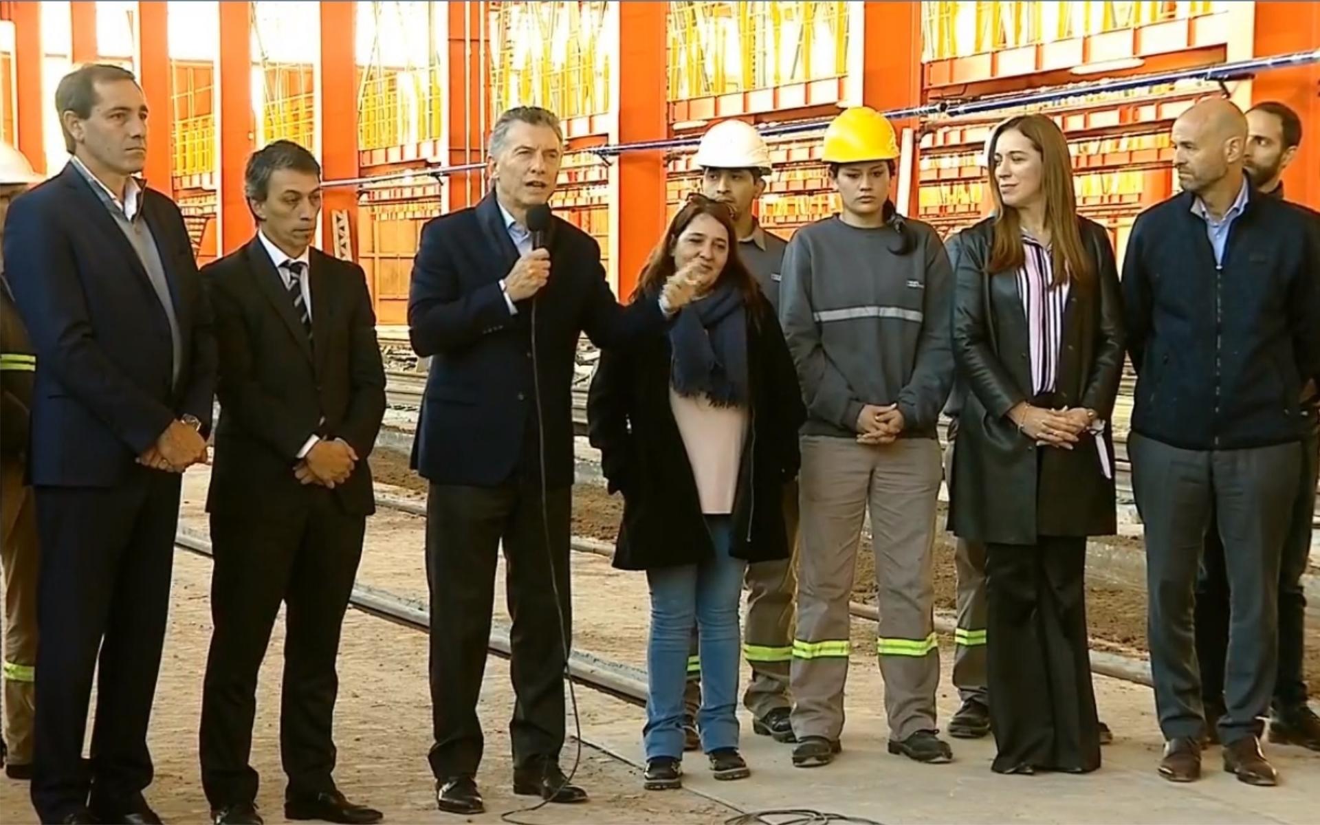 Macri  encabezó un acto en Tolosa junto a la gobernadora bonaerense
