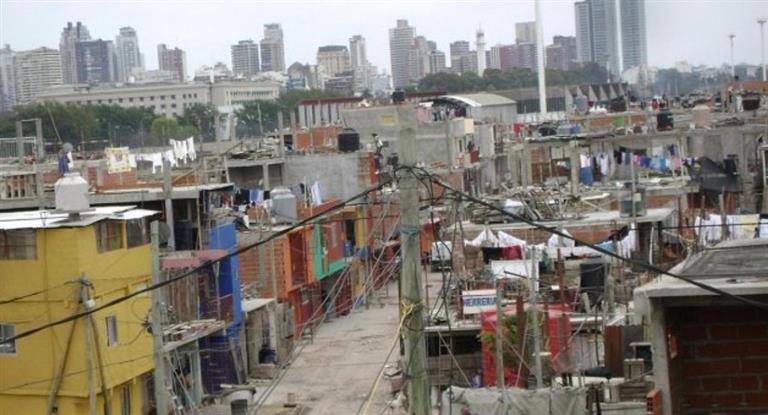UCA:la pobreza este año va a estar arriba de 2014 y 2015