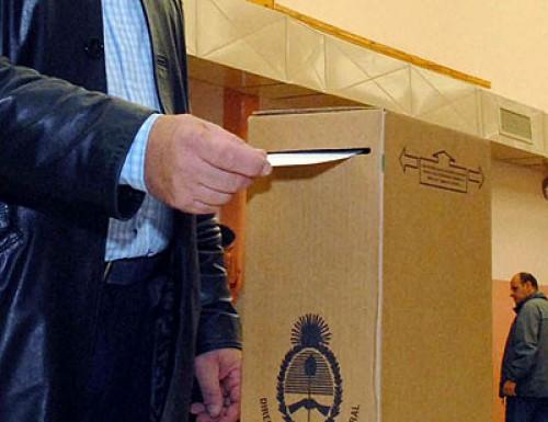 Votaron hasta los muertos y los presos