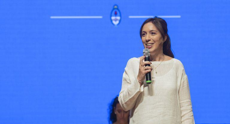 Vidal anunció que entregará 8 mil teléfonos celulares a escuelas vulnerables