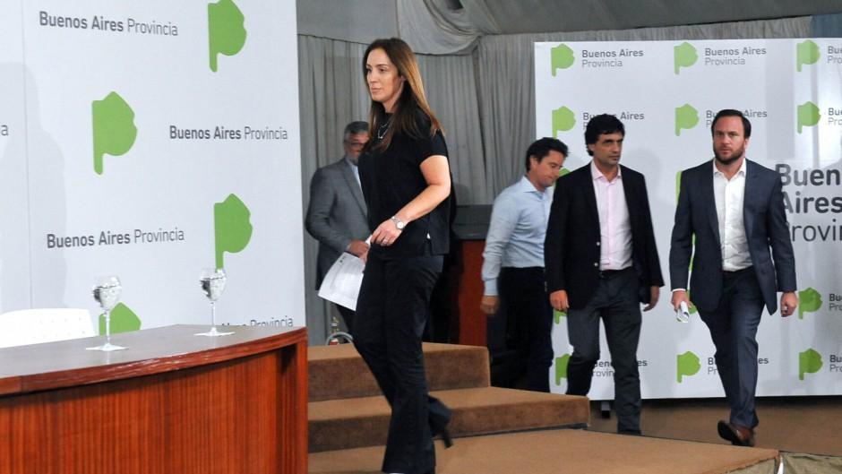 Vidal acordó con los estatales, los docentes volvieron rechazan la oferta
